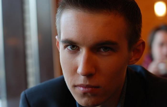 Участник Битва экстрасенсов 5 сезон Денис Холодницкий