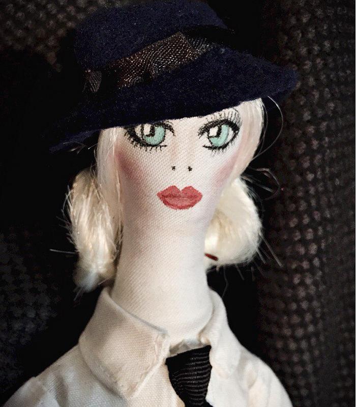 Кукла Джулии Ванг