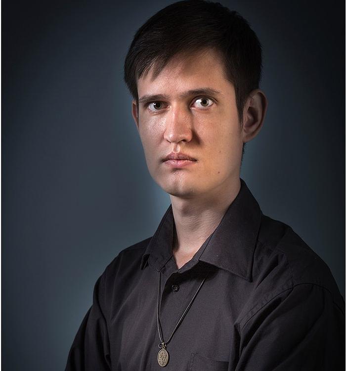Участник 18 сезон Рустам Зартдинов