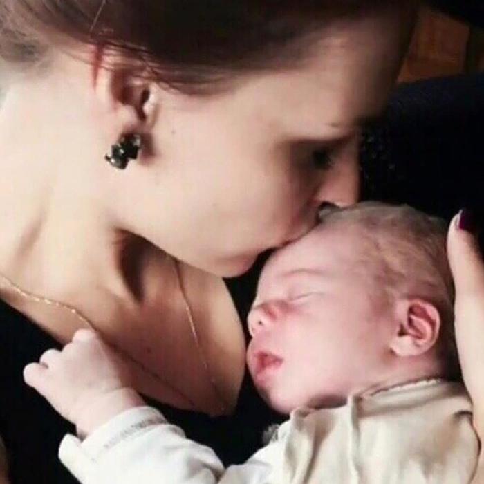 Мэрилин Керро и ребенок