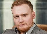 Сергей Сафронов жалуется, что редко видит свою новорожденную дочь